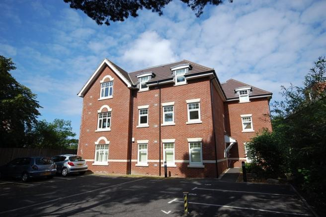 2 Bedroom Flat To Rent In Dean Park Gate Bournemouth BH2
