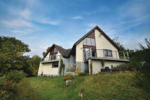 5 bed Detached property in 62 Castlepark Drive...