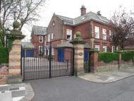Town House to rent in Adderstone Crescent...