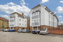 Apartment to rent in High Street, TONBRIDGE