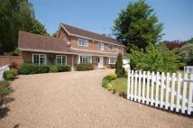 6 bedroom Detached property in Kingswood