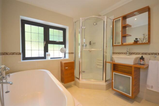 Luxury Bath/Shower Room