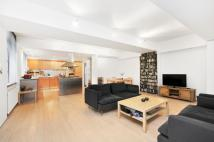 2 bed Apartment in Richmond Mews...