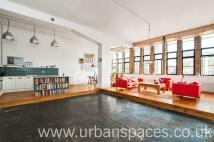 Apartment in Dehavilland Studios...