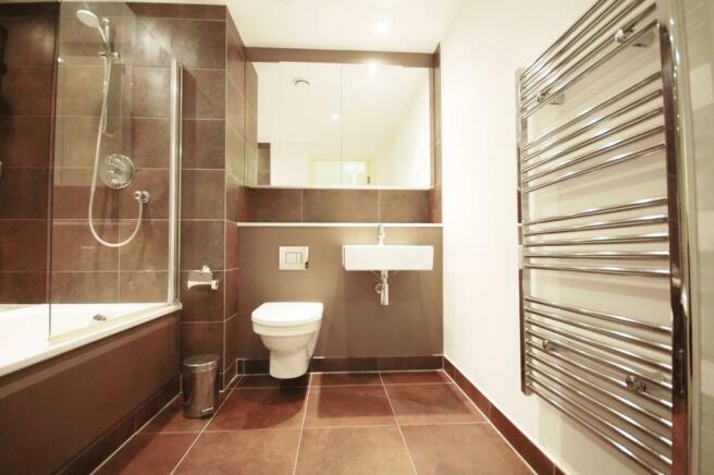 19.08 bathroom (2)