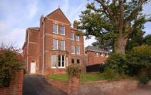 2 bedroom Penthouse in Chestnut House...