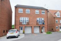 4 bedroom semi detached house for sale in Kings Court...