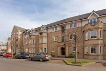Flat to rent in Powderhall Road...