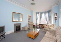 5 bed Flat in Marchmont Road...