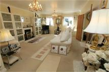 2 bedroom Apartment for sale in Capitol Close, Smithills...