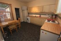 Flat to rent in Blackburn Road, BOLTON...