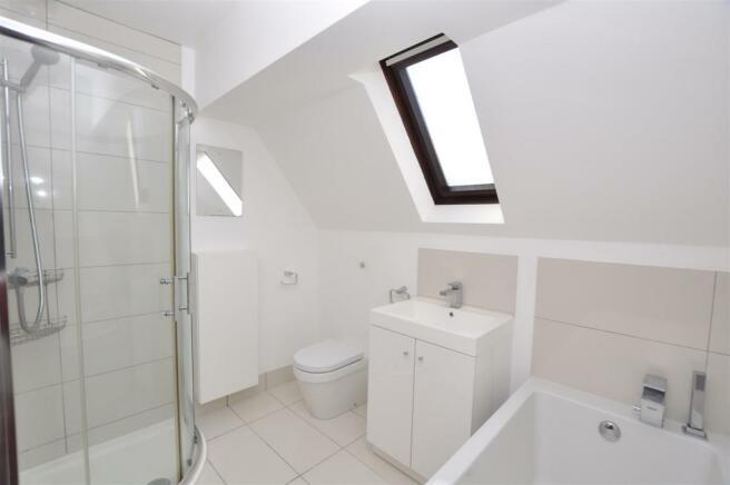 Lucaslanebathroom.JPG
