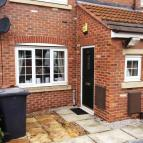 2 bed Ground Flat in Loscoe Grove, S63