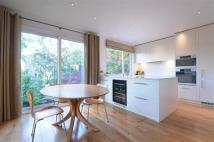 4 bed Detached property in Great Brownings, Dulwich