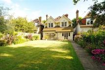 5 bed Detached property in Half Moon Lane, London...