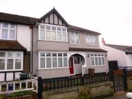 4 bedroom semi detached home to rent in Ridge Road, Mitcham