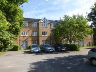 Flat to rent in Heathfield Drive, Mitcham