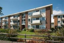 2 bedroom Apartment in Lord Warden Avenue...