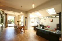 4 bedroom home in Claude Road, Roath