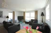 3 bedroom Apartment in Judkin Court...