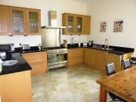 2 bedroom Flat to rent in Macdowall Road...