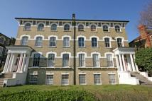 2 bed Flat to rent in Nightingale Lane...