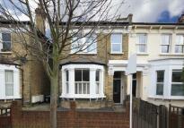 2 bedroom Flat in Byrne Road, Balham