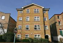 3 bed property in Gower Close...