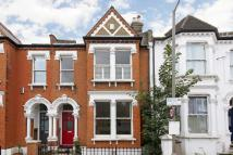 4 bedroom house to rent in Ravenslea Road, Balham