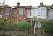 2 bed Flat in Brenda Road, Tooting Bec