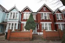 Flat to rent in Cavendish Road...