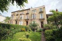 Flat to rent in Winton Drive, Glasgow...