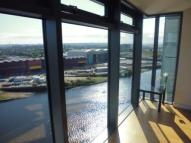 Flat to rent in Meadowside Quay...