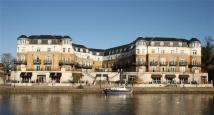 2 bedroom Serviced Apartments to rent in Thames Edge Court...