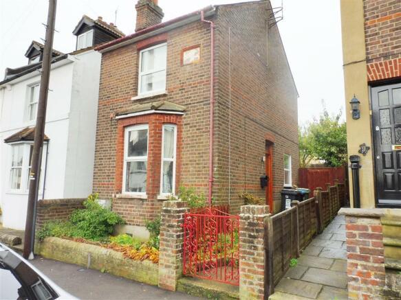 2 bedroom house to rent in crescent road hemel hempstead hp2