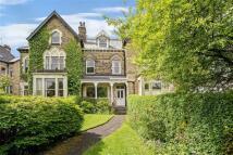 5 bed Terraced property in Queens Road, Harrogate...
