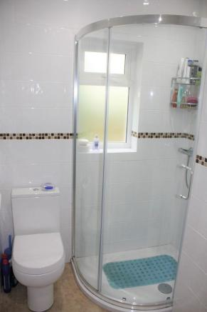 Family Shower Roo...