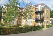 1 bedroom Ground Flat in Forge Lane, Northwood...