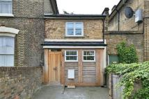2 bed Terraced property in Victoria Park Road...