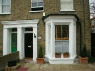 1 bed Flat to rent in Mapledene Road, London