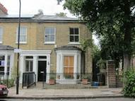 Flat in Mapledene Road, London