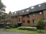 Flat to rent in New Hunting Court...