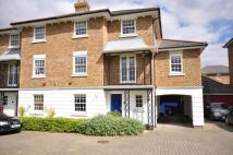 5 bedroom semi detached house to rent in Maypole Drive Kings Hill...
