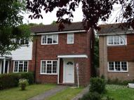 2 bed End of Terrace house in Henfield Way...