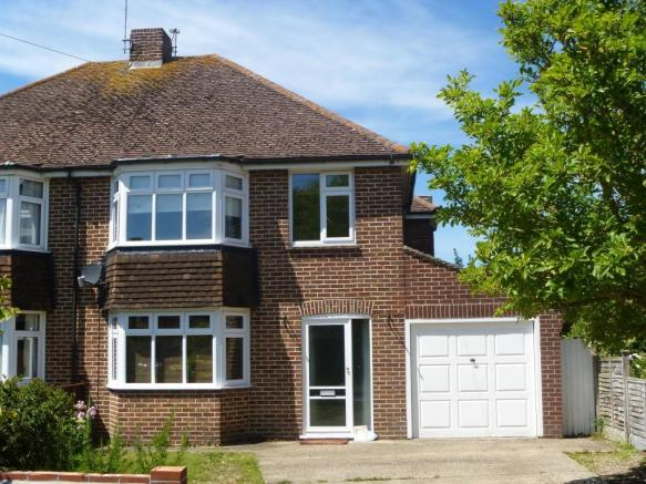 3 Bedroom Semi Detached House To Rent In Park DriveYaptonBN18 BN18