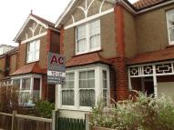 Flat to rent in Richmond Avenue, Aldwick...