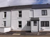 2 bedroom house to rent in Tywi Terrace, Ffairfach...