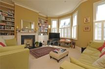 2 bed Detached home in Elspeth Road, LONDON