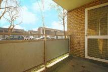 2 bed Ground Flat for sale in Blondel Street...