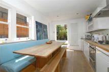 4 bedroom Terraced property to rent in Noyna Road, Tooting Bec...